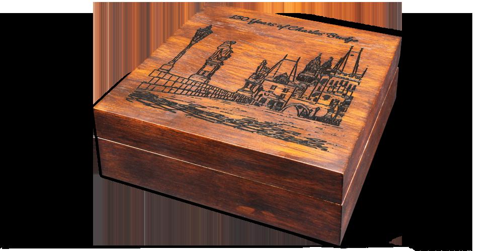 Most Karola - srebrna moneta z masą perłową i eleganckim pudełkiem kolekcjonerskim.