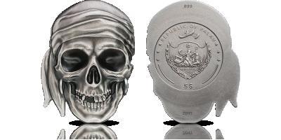 Czaszka piracka - symbol śmierci upamiętniony na srebrnej monecie z wysokim reliefem
