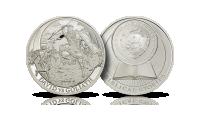 Srebrna moneta ukazująca Dawida walczącego z Goliatem. Kamień, którym zostaje trafiony Goliat jest pokryty czarną emalią. Biblical Stories. Opowieści Biblijne