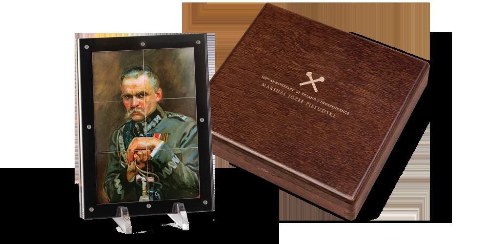 Józef Piłsudski na 6 puzzlach. Monety umieszczone w eleganckim drewnianym pudełku.