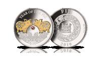 Rok Świni - Chiński Zodiak upamiętniony na srebrnej monecie selektywnie platerowanej złotem i ozdobionej perłą